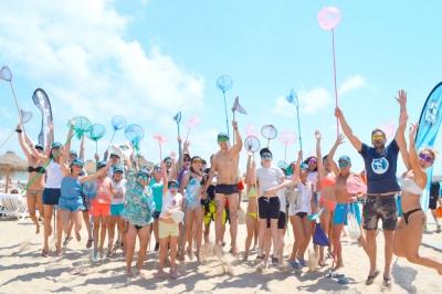 Voluntarios-campana-limpiemos-nuestras-playas